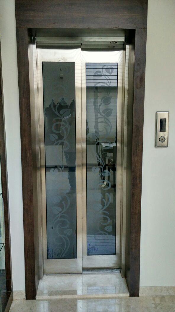 Quality Auto Parts >> Elevator Doors : Elevator Doors Manufacturers, Auto Door Lift